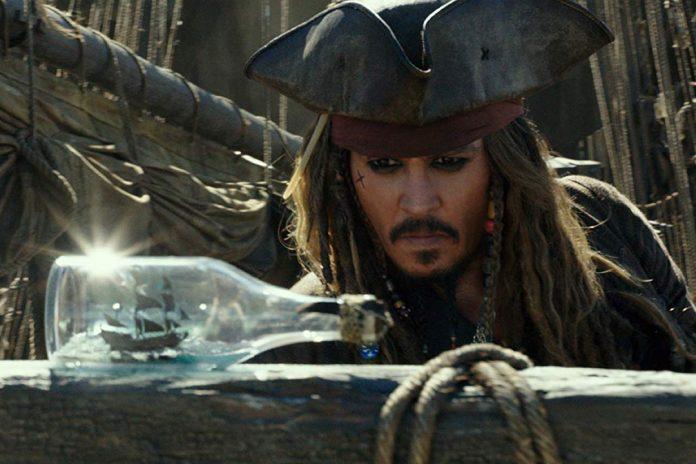 Pirates of the Caribbean: Dead Men Tell No Tales (2017) – Jack Sparrow Makin Tertatih-Tatih