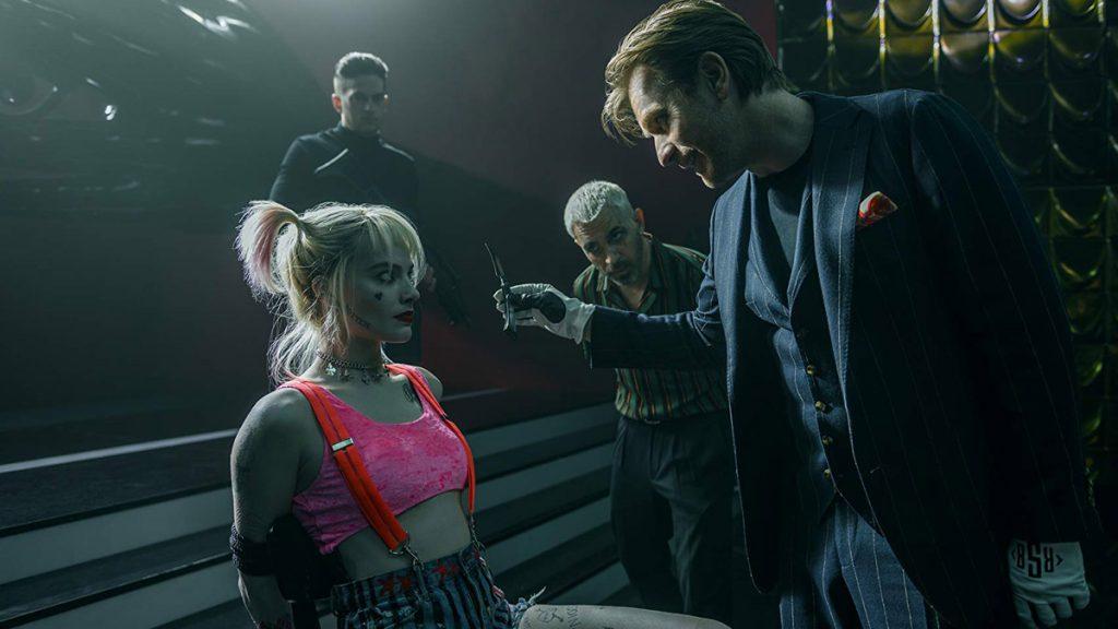 Margott Robbie (Harley Quinn) dan Ewan McGregor (Roman Sionis) dalam Birds of Prey.