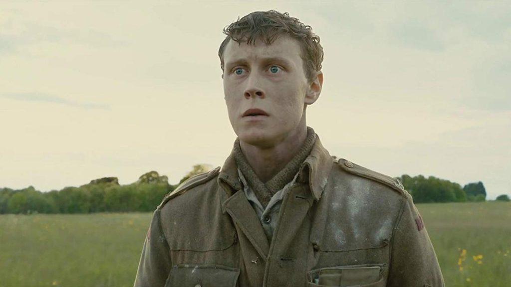 Segala yang terjadi dalam film 1917 (2019) dipusatkan kepada Schofield (George Mackay).
