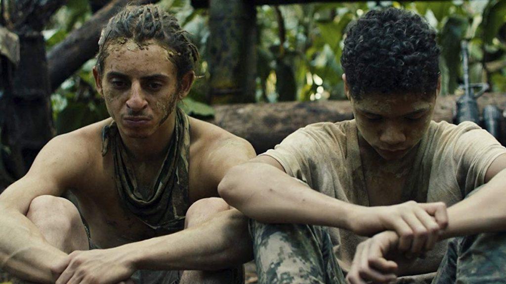 Moises Arias dan Deiby Rueda dalam film Monos.
