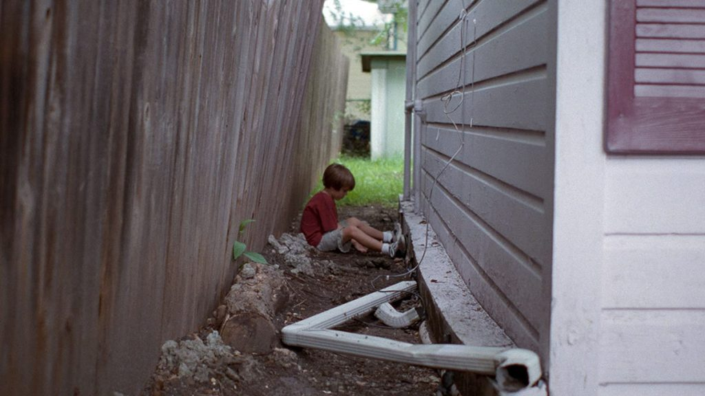Ellar Coltrane dalam Boyhood (2014) - 25 Film Terbaik Dekade 2010