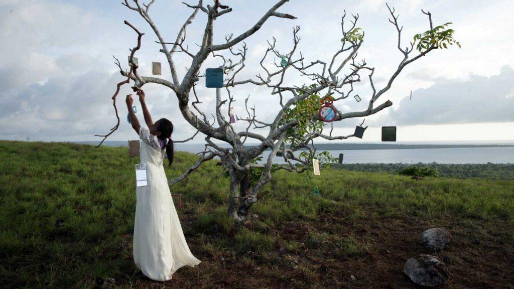 Laut Bercermin (2011): Menyingkap Makna Laut